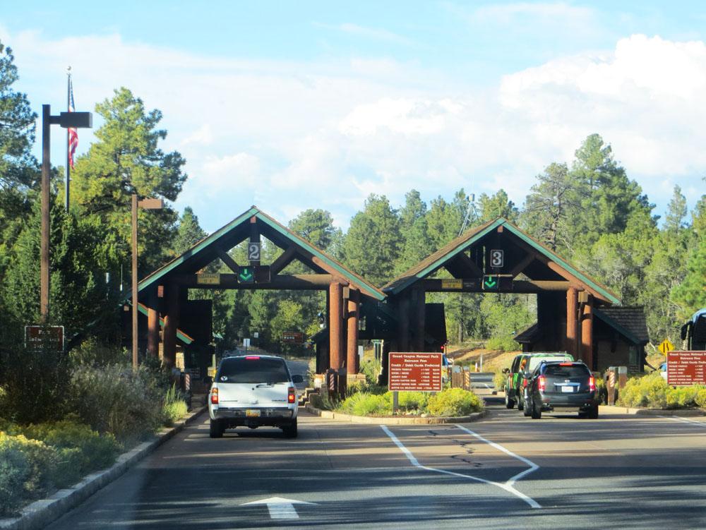 亚利桑那州大峡谷西入口大门设计