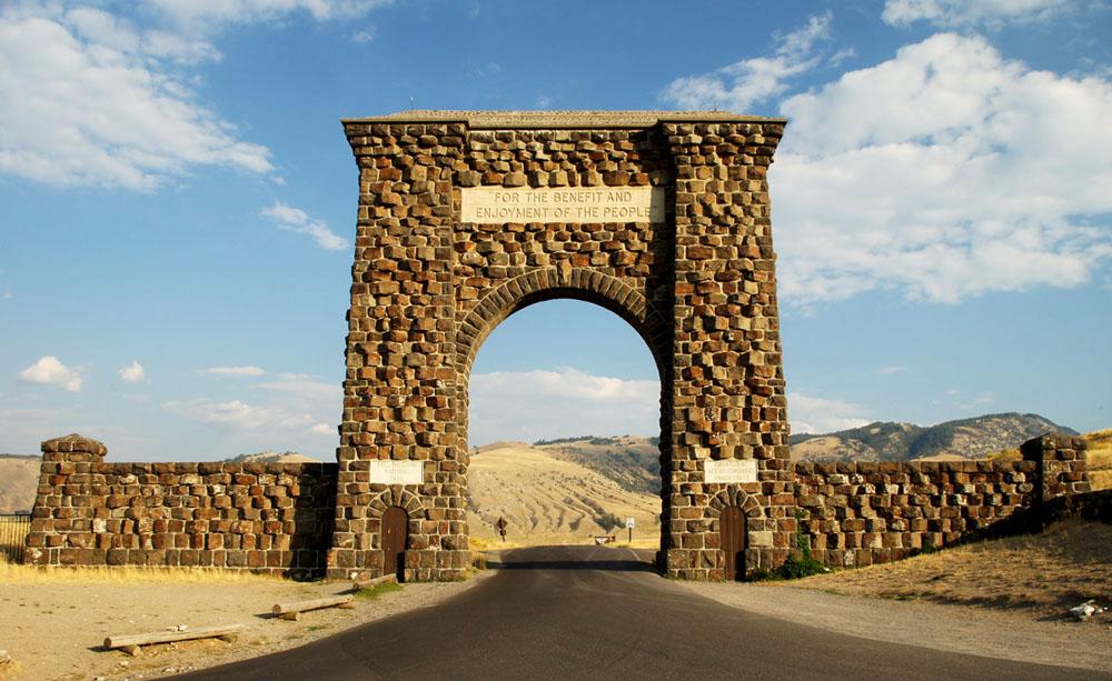 美国黄石国家公园北入口大门设计